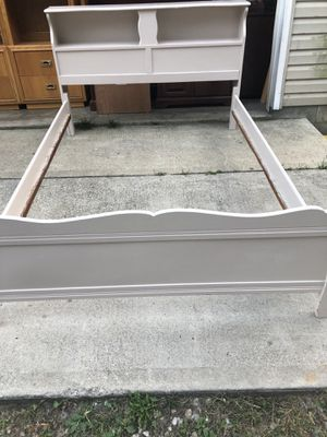Full size headboard and footboard for Sale in Newark, OH