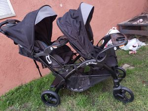Baby Trend Sit and Stand double stroller, like new used for Sale in Colton, CA