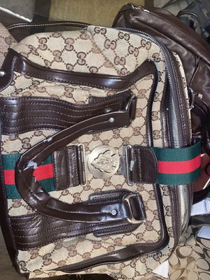 Gucci purse and count pouch and wallet combo for Sale in McKinney, TX