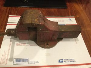 Vintage Columbian Bench Vise — Made in Cleveland, Ohio for Sale in Glendale, CA