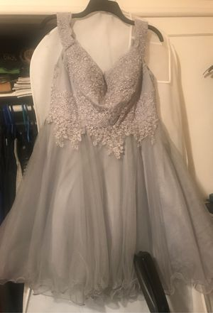 Cindy Gray Silver Homecoming, Quinceara, Prom, Sweet 16 dress SZ Large for Sale in La Habra, CA