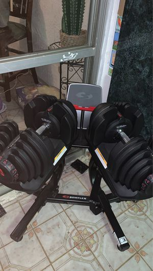 Bowflex selecttech 1090 dumbbells with stand for Sale in San Diego, CA