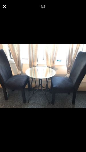Round small mirrored kitchen table for Sale in Mendon, MA