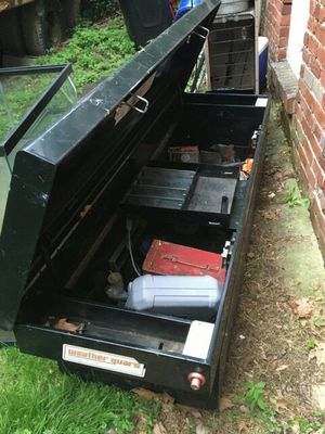 Weather gaurd tool box with tray for Sale in Pittsburgh, PA