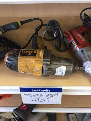 DEWALT IMPACT WRENCH for Sale in Chicago, IL