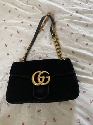 Gucci velvet marmont bag medium for Sale in Charlotte, NC