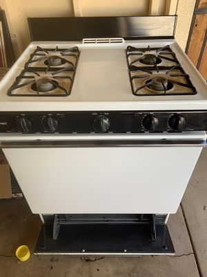 Whirlpool appliances, Gas stove is Hot Point. Everything works.. Good conditions. for Sale in Phoenix, AZ