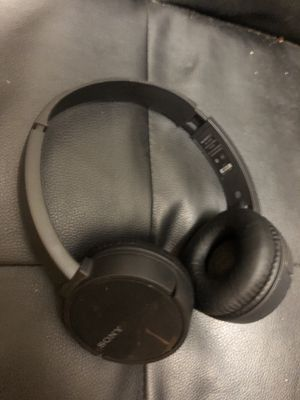 Headphones Sony Bluetooth WH-CH500 for Sale in Aurora, OR