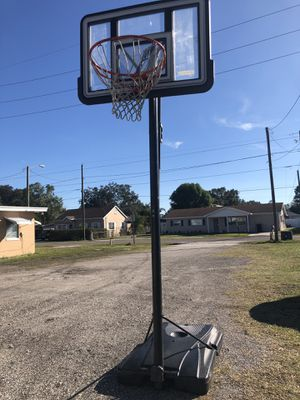 Lifetime Portable Basketball Hoop! for Sale in Tampa, FL