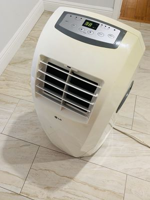 2 Air conditioners for Sale in Hollywood, FL