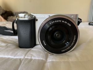 SONY CAMERA for Sale in Riverside, CA