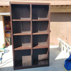 BOOKCASE TALL 5 SHELF for Sale in Los Alamitos,  CA