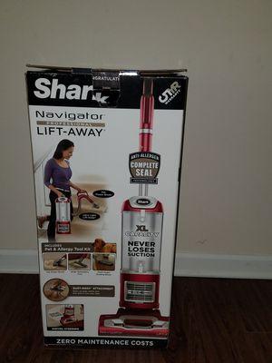 Shark navigator lift away vacuum for carpet n hardwood for Sale in Greenville, SC