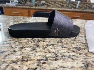 Supreme Gucci slides for Sale in Tomball, TX