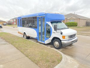 Shuttle bus 2008 only 50,000 miles gasoline E-450 clean Texas title for Sale in Arlington, TX