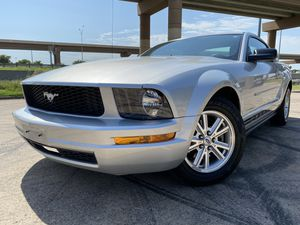 2008 Ford Mustang IMMACULATE CONDITION CLEAN TITLE for Sale in Dallas, TX