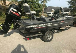 Fish & Ski Boat 2O14 Bass Tracker AT$15OO for Sale in Baltimore, MD
