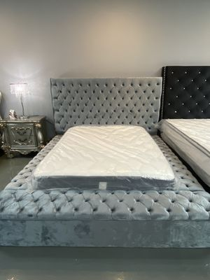 New grey queen size bed frame for Sale in Houston, TX