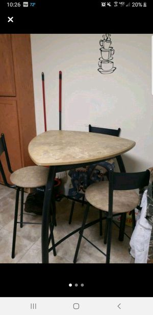 High top table and chairs for Sale in US