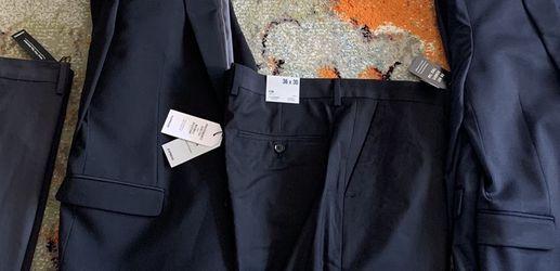 SELL TODAY - Lot Of 3 - Men's BRAND NEW EXPRESS Suits Sz 42R, 36x30 Pants for Sale in Queens,  NY