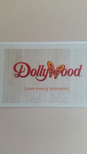 Dollywood Bring a Friend Pass; good till April 28th for Sale in Chevrolet, KY