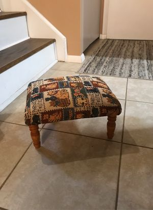 Small stool for Sale in Willoughby, OH