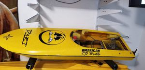 Very nice American RC boat hull and hardware for Sale in Houston, TX