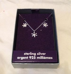 New Sterling Silver 925 Flower Pendant Necklace Earrings for Sale in San Antonio, TX