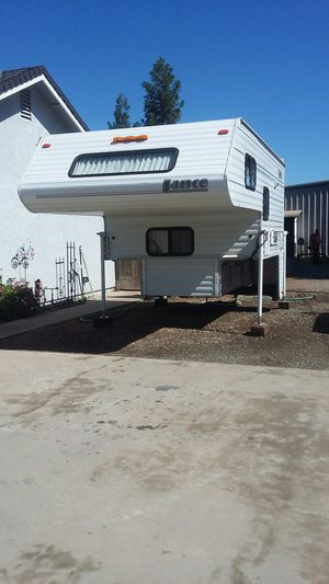 2004 Lance 845 Lite camper for Sale in Atwater, CA