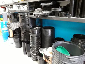 Pots/gardening/farming/hydroponic/planting for Sale in Fort Lauderdale, FL