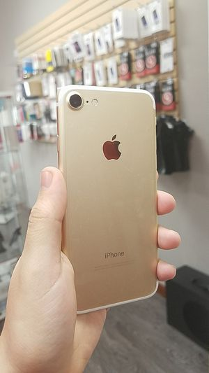 IPhone 7 128gb unlocked for Sale in Dallas, TX