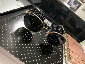Raybans Round Gold Sunglasses for Sale in Fontana, CA