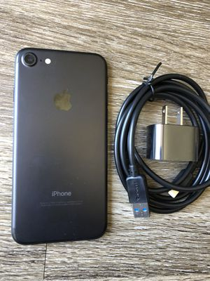LIKE NEW!~ Unlocked iPhone 7~ 32 gig ~All PHONE COMPanies! for Sale in Costa Mesa, CA