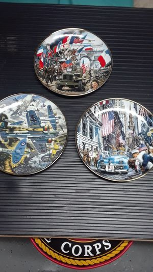 SET OF 3 FRANKLIN MINT MILITARY PLATES for Sale in Clovis, CA