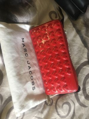 Marc Jacobs red wallet for Sale in Phoenix, AZ