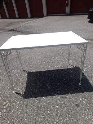 Large white desk! for Sale in Laurel, MD