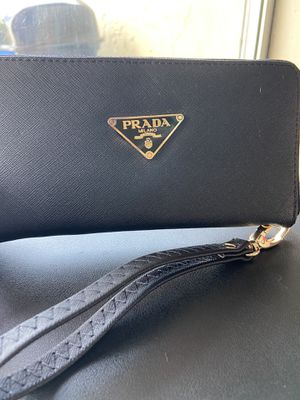 💲H I G H BRAND Woman wallet Buy now!! 💲 for Sale in Miami, FL