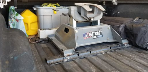 Patriot Fifth Wheel Hitch, No Rails for Sale in Roosevelt,  AZ