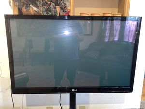 Two tv Panasonic 50 inch and lg 45 inch perfect condition works good for Sale in Federal Way, WA