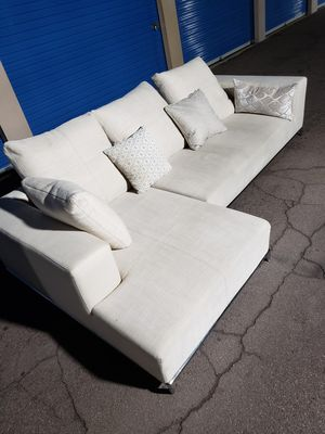 Modern sectional couch, like new ,very clean and comfy, for Sale in Glendale, AZ