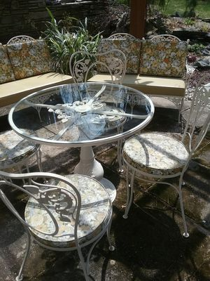 ANTIQUE WOODARD WROUGHT IRON PATIO FURNITURE SET for Sale in Paxton, MA