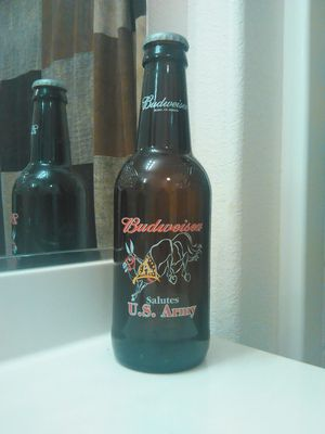 Glass Budweiser US ARMY collectable bottle. for Sale in Fresno, CA