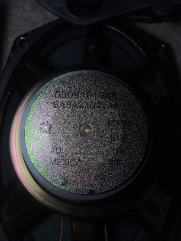 Chrysler speakers