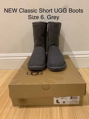 NEW Classic Short UGG Boots. Size 6. Grey for Sale in Los Angeles, CA