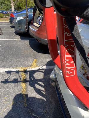 Yakima SuperJoe Pro 3-Bike Trunk Rack for Sale in Seattle, WA