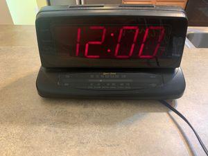 Alarm clock AM/FM radio for Sale in Puyallup, WA