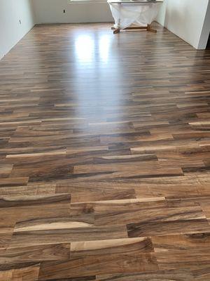 Se hacen pisos de madera for Sale in Columbus, OH
