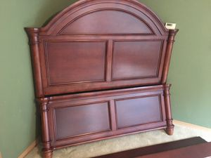Queen bed frame; headboard & footboard w/ side rails for Sale in Puyallup, WA