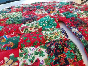 Christmas Tree Quilted Large Skirt 2 sided Hand Made Beautiful Price Firm for Sale in Hesperia, CA