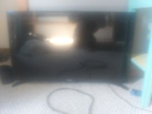 32 inch Roku T.V for Sale in Bloomington, IL